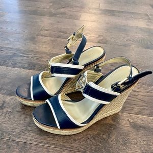 Tommy Hilfiger Wedge, 7.5, Navy, Gently us…